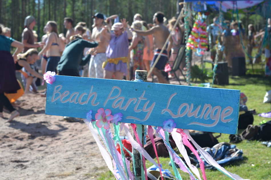 beach party lounge at natural high healing  festival